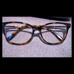Accessories - Kam Dhallion knew frames very stylish